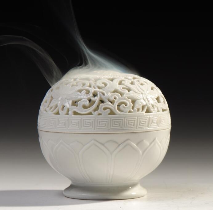 宝篆沉香  白瓷镂空雕花香薰炉 白瓷香炉 盘香香炉